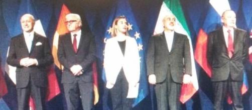 Les participants à l'accord historique