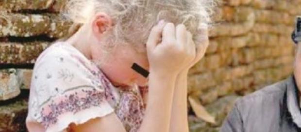 Două fetițe au fost violate cinci ani la rând
