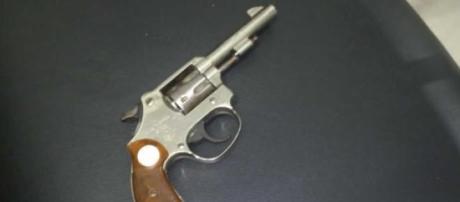 Arma de calibre 22 disparou o tiro em Gisbel