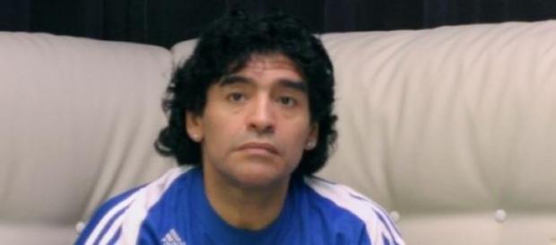 Diego Maradona quiere indagar quién robó su plata
