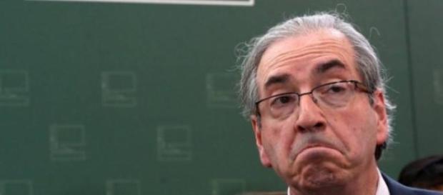 Eduardo Cunha é acusado de cobrar propina