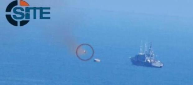 Il missile diretto verso la nave