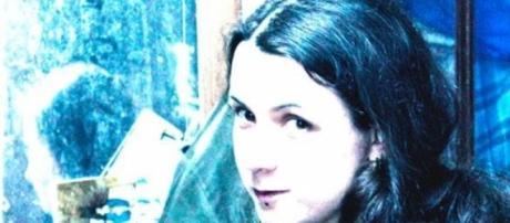 Ana Carolina, a alma de shadoW, one-woman-band