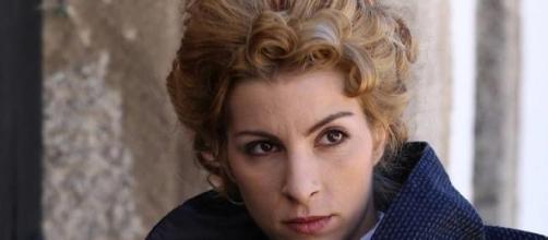 Cayetana fa uccidere Inocencia, figlia di Manuela