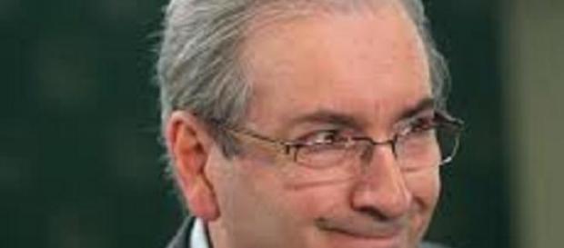 Eduardo Cunha rompe com governo e gera nova crise