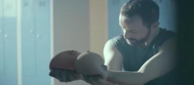 """Kadr z filmu""""Akt I"""". Kampania """"KancerSutra"""""""