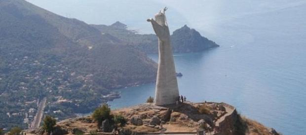 La statua del Cristo a Maratea