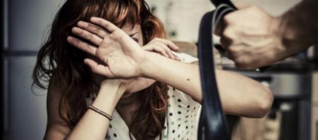 Mulher sofria de violência doméstica.