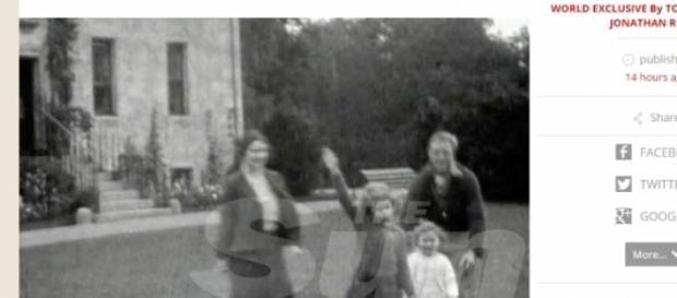 Saluto nazista Regina Elisabetta, le foto