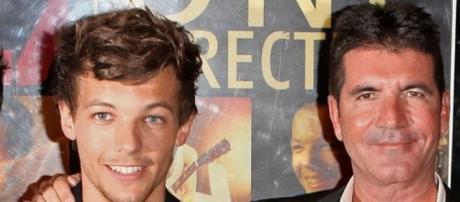 Louis Tomlinson, dos One Direction, e Simon Cowell