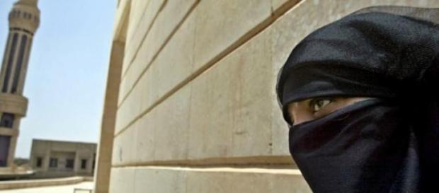 Le donne dei jihadisti violentate e torturate