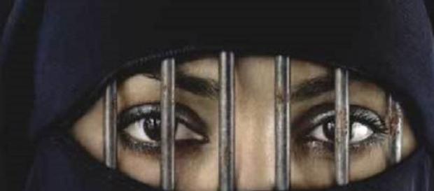 Le donne islamiche sono spesso discriminate