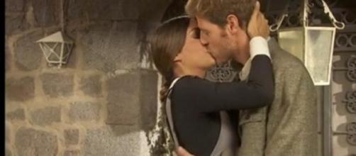Il Segreto: Mariana e Nicolas, primo bacio
