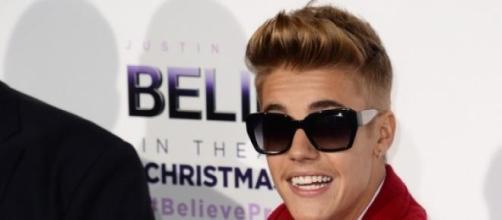 Justin Bieber viu um tubarão à sua frente.