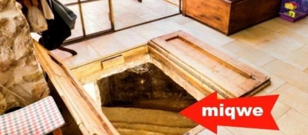 Baño ritual de 2000 años bajo un entarimado