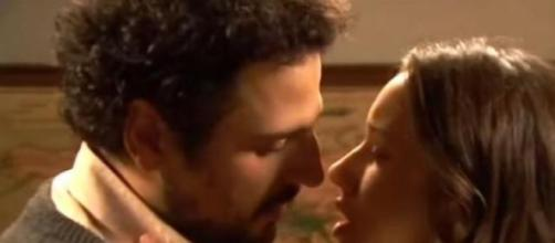 Primo bacio per Aurora e Conrado