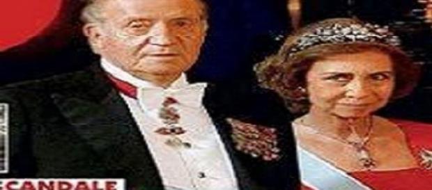 Juan Carlos I y Sofía en una revista francesa.
