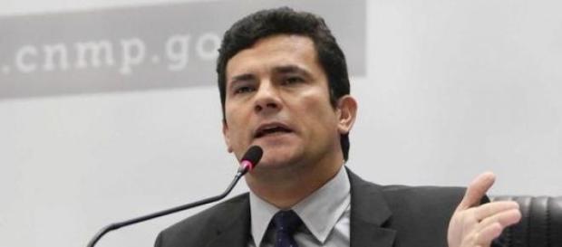 Juiz Sergio Moro condena  envolvidos na Lava Jato