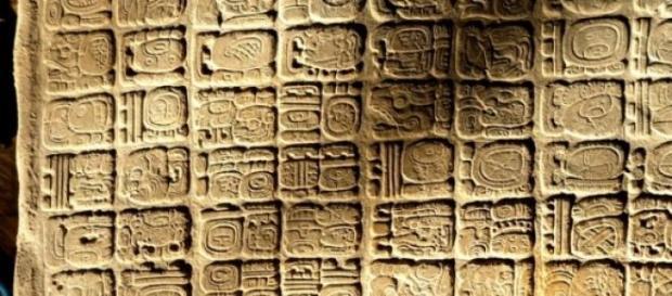 Panel jeroglífico del palacio de La Corona