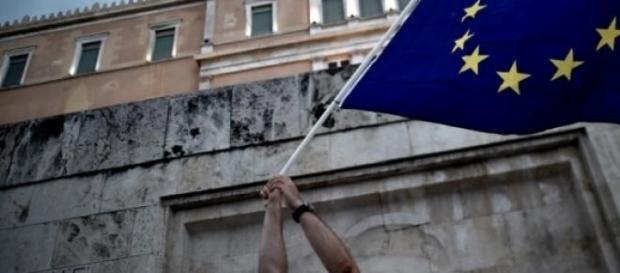 Protesta davanti al Parlamento greco