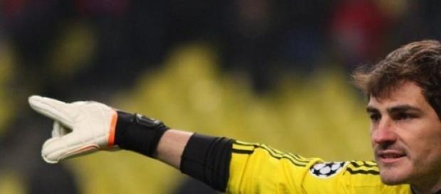 Iker Casillas con la equipación del Real Madrid