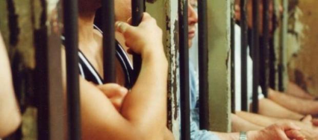 Românul s-a sinucis în inchisoare