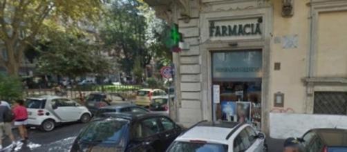 La farmacia di piazza Cairoli a Roma, rapinata