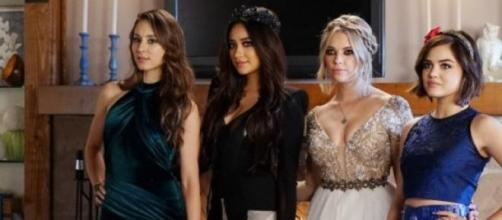Os vestidos das Pretty Little Liars