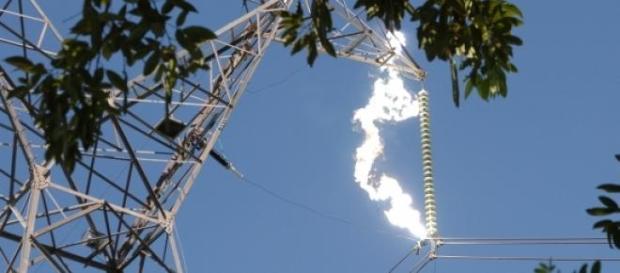 Arco eléctrico revelou-se fatal para o emigrante.