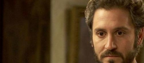 """Alex Gadea in una scena della soap """"Il Segreto"""""""