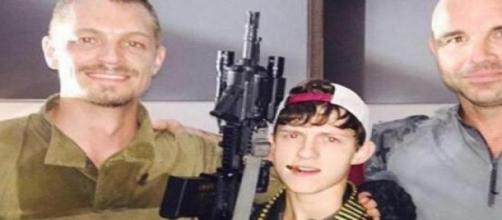 Tom Holland visito el set de 'Suicide Squad'