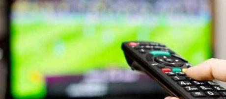Pacchetto Calcio 2016: Sky vs Mediaset Premium.