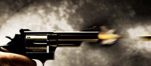 Homem atirou contra filho e ex-mulher.
