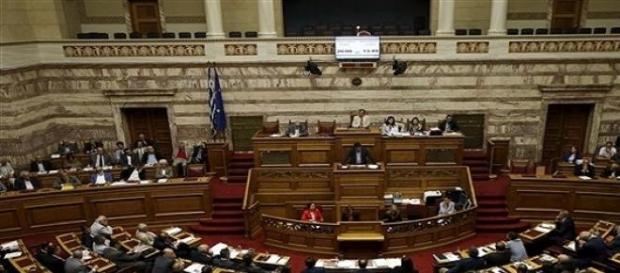 O Parlamento grego em votação.
