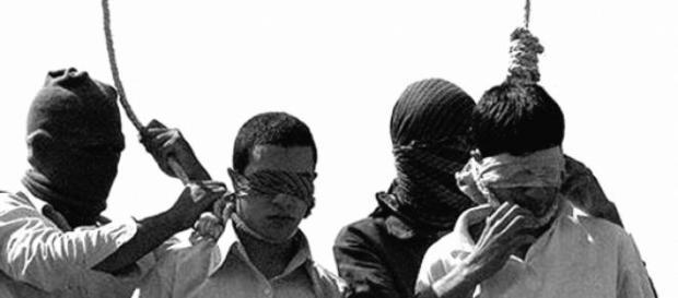 Il cappio è la soluzione iraniana per i gays