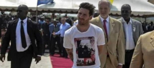 Leo Messi junto a Ali Bongo en Gabón