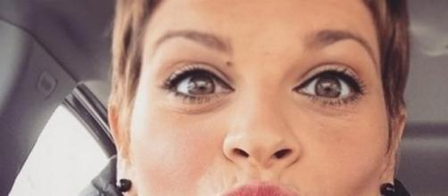 Alessandra Amoroso si opererà alla corde vocali