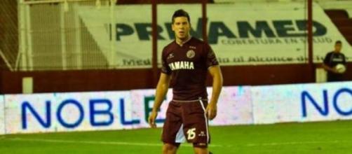 Diego Barisone con la camiseta del granate