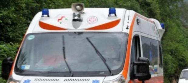 Ambulanza per i soccorsi dei feriti