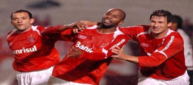 Em 2007, atacante conquistou a Recopa pelo Inter