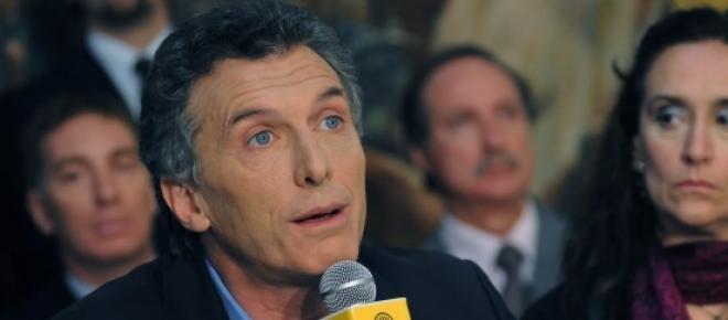 Macri con Michetti, Mientras él obvia hablar de los fondos buitres, ella en conformidad con el equipo económico pretende pagar los fondos buitres según los dictados del juez Griesa