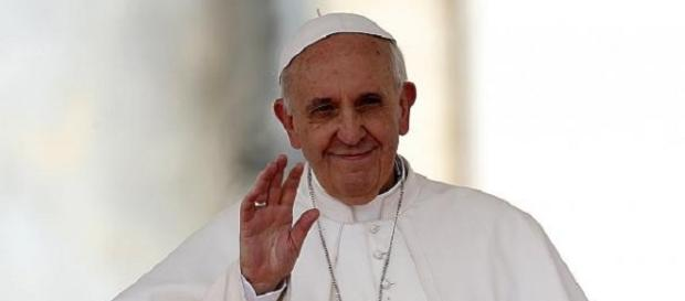 Papa Francesco licenzia il suo medico personale