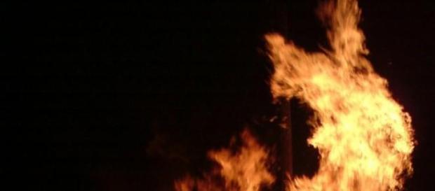 Stirbt Geillis für Claire den Feuertod?