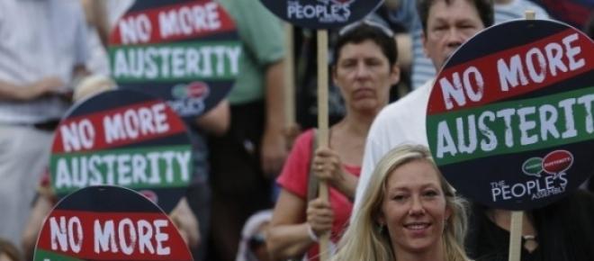 Englezii s-au săturat de austeritate