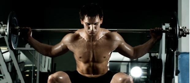 Entrenar con pesas, fundamental para la salud.