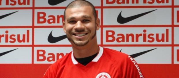 Nilton foi contratado pelo Inter junto ao Cruzeiro