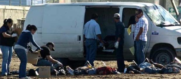 Opt membri ai unei familii au fost decapitaţi