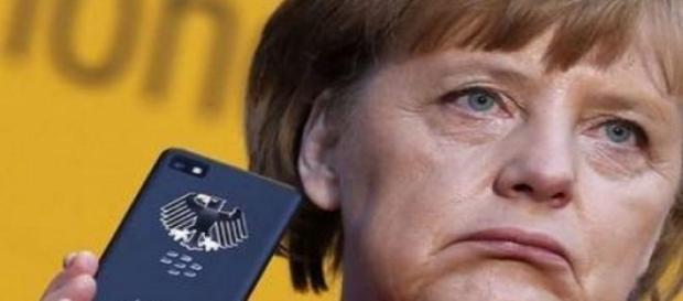 Merkel intercettata assieme ad altri 69 funzionari