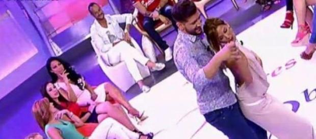 Susana y Manu bailan una sensual Bachata