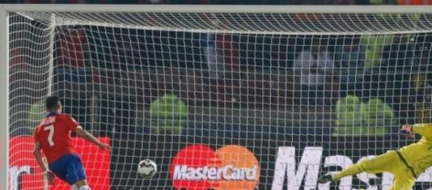 Com tranquilidade, Alexis Sánchez deslocou Romero